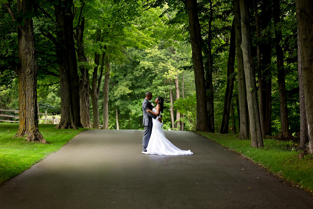 outdoor wedding photos Caledon Golf and Country Club toronto Wedding Photographer