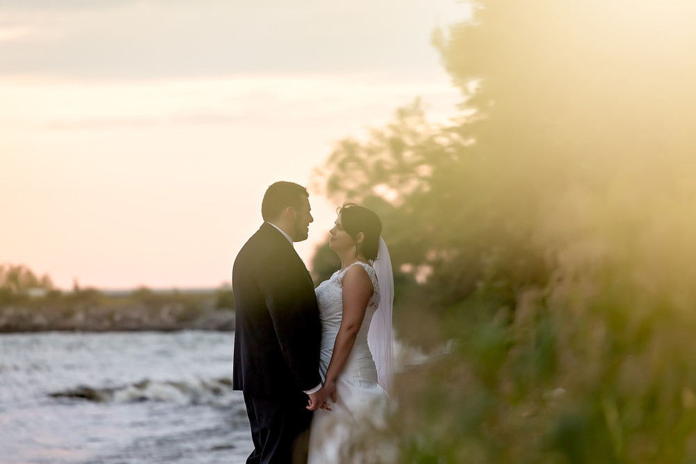 wedding photos lakeside park Mississauga