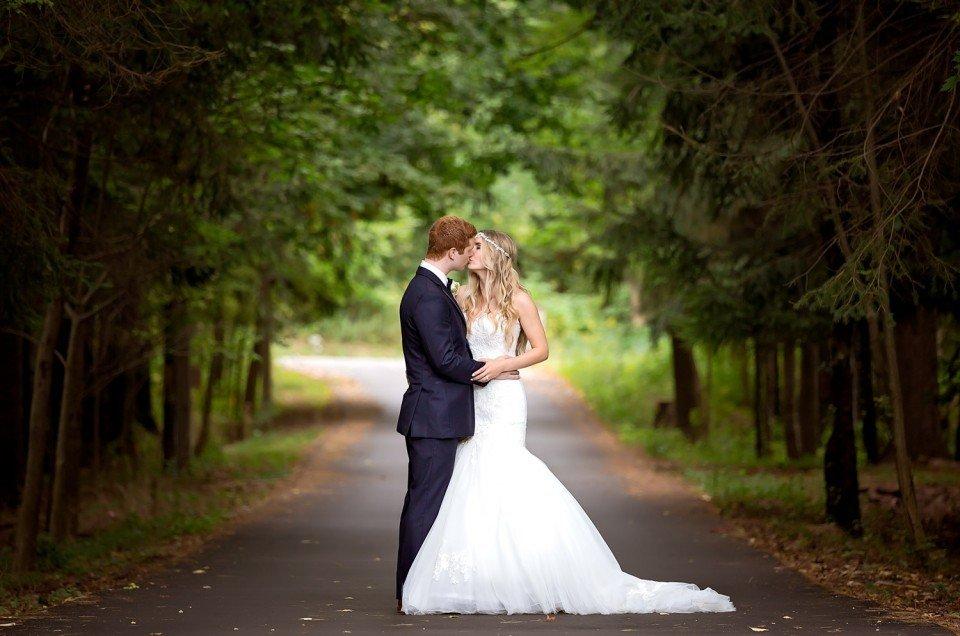 Janine & Richard | Oakville Conference & Banquet Centre Wedding | Oakville & Ancaster