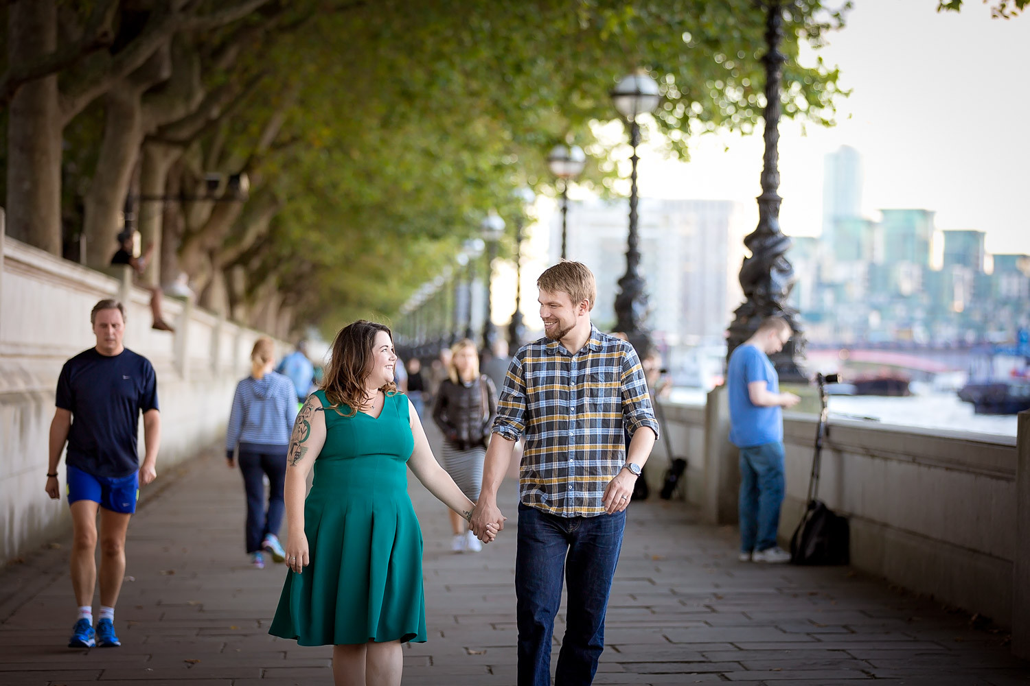 janice-peter-westminster-the-river-thames-london-engagement-8